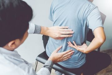Preston chiropractors treat low back pain with effective manual therapy